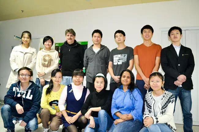 汕头大学医学院在国际顶级学术期刊连续